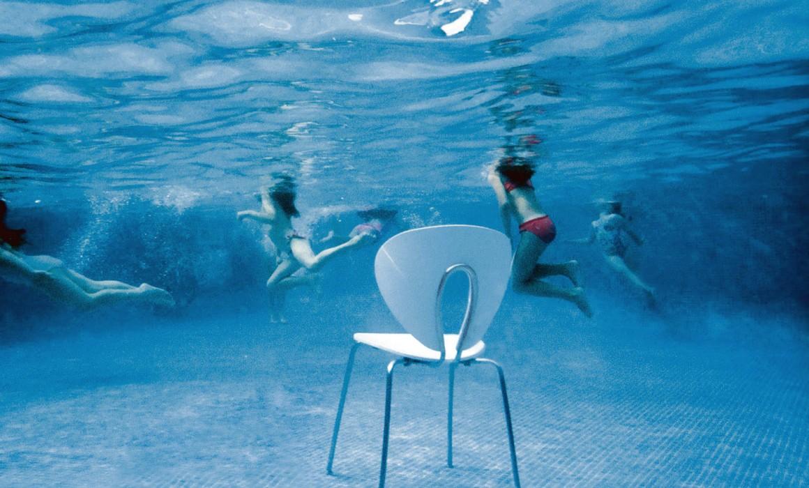 stua-globus-underwater-blue
