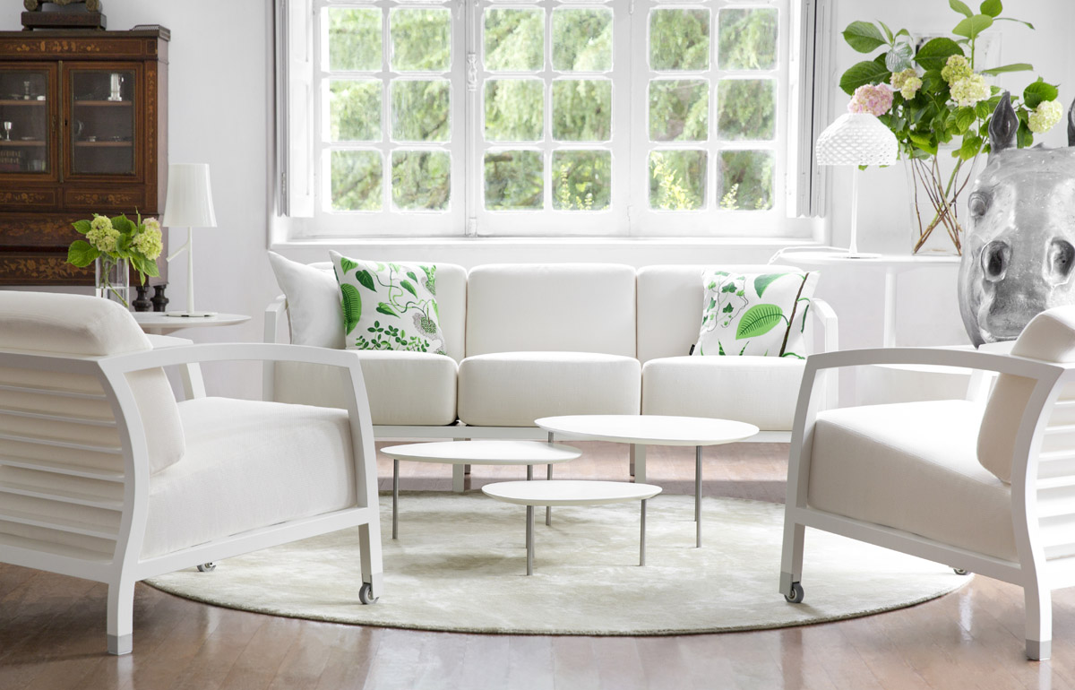Stua eclipse nesting tables with organic shapes eclipse nesting tables in white watchthetrailerfo