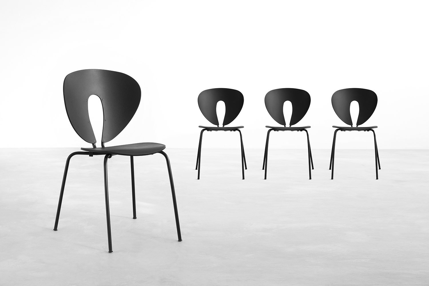 Stua Light Design Globus Chair Comfortable And Stacking