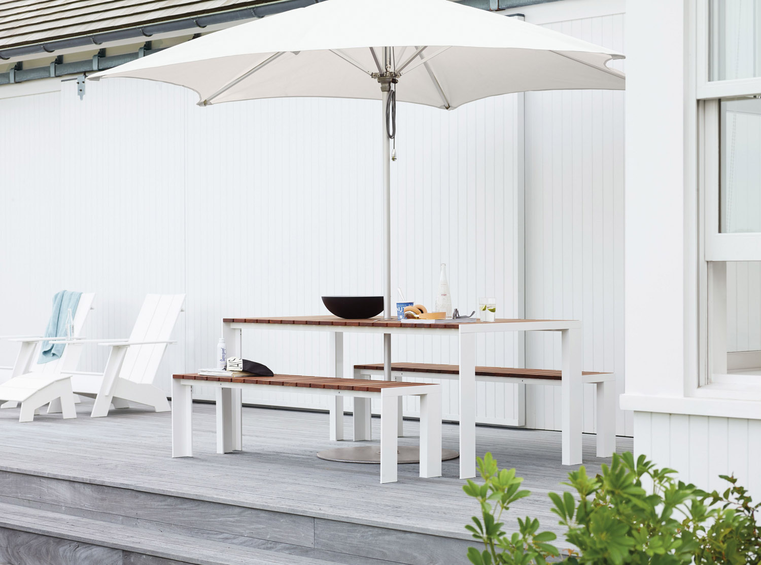 stua-outdoor-table-deneb-dwr