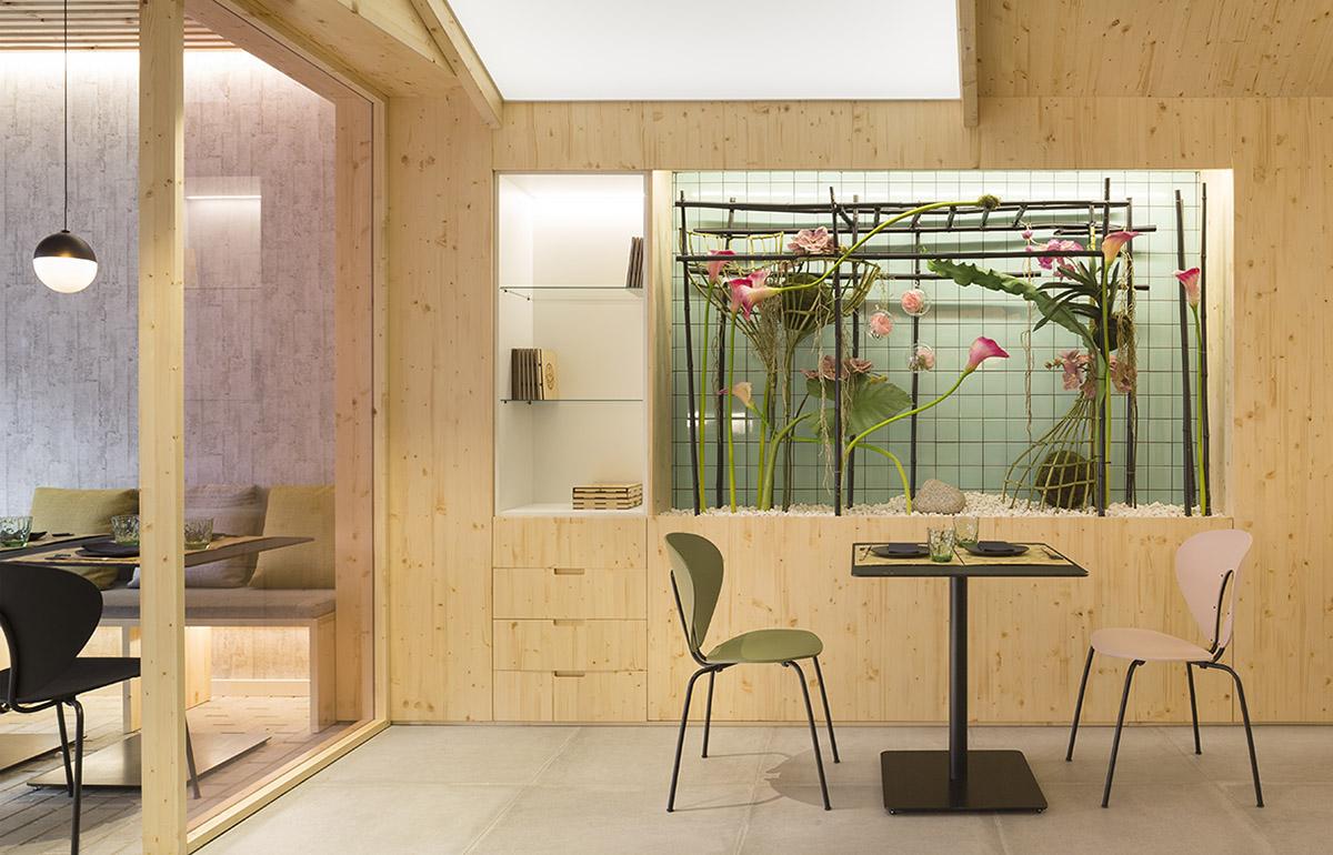 Stua Kamon Japanese Restaurant With Design Chairs