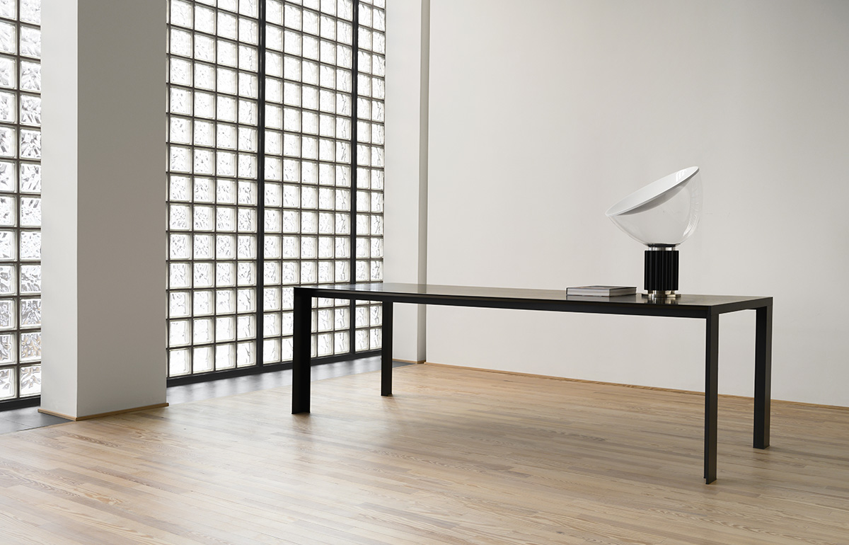 Stua deneb table 90 x 240 black frame and black stained ash top