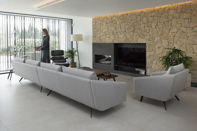 STUA Costura sofa of 416cm and armchair in Ubiko house in Valencia